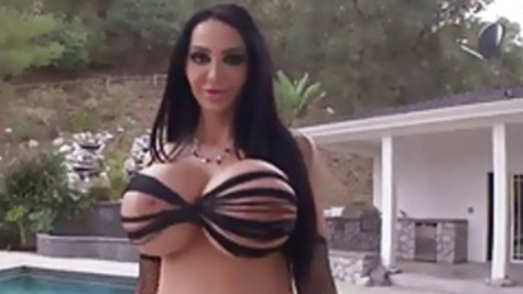 Big boobs Amy Anderssen enjoys rough thrusting for her beaver