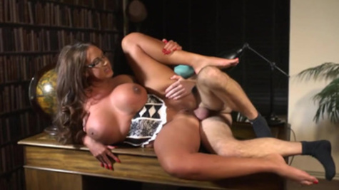 Thrashing voluptuous Emma Butt's delightful fuck hole
