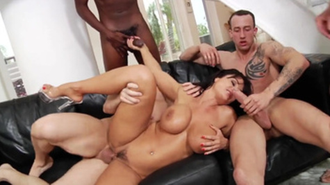 Rough double penetration for Lisa Ann during wild gangbang