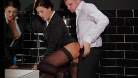 Bathroom fuck features seductive pornstar Anna Polina