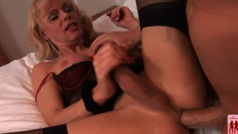 Shemale slut Joanna Jet has her tight butt drilled