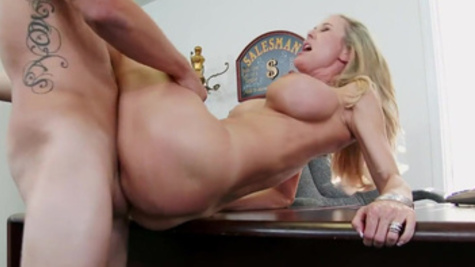 Excellent reverse cowgirl riding from sultry Brandi Love