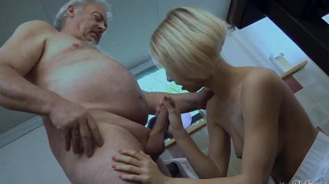 Skinny blonde nymph Paris Pink drilled nicely by old man
