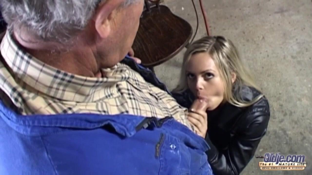 Sabrina got drilled til mans load blew on her ass