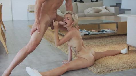 Yoga coach uses huge dick to satisfy blonde girl Baby Dream