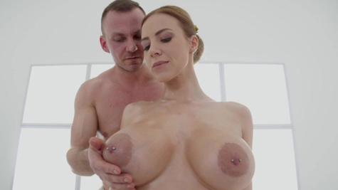 Masseur drills Nathaly Cherie's vagina and cums inside