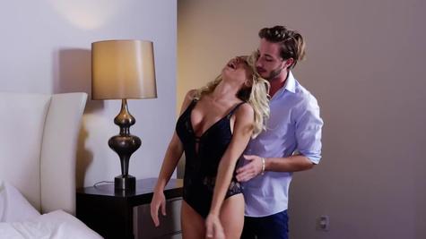 Man gives Katie Morgan erotic pleasure she wants in bed