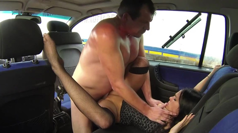 Noname hitchhiker gets in car with sole purpose to be banged