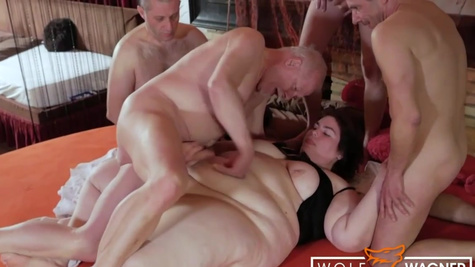 BBW Natascha sucks several cocks while being fisted to orgasm