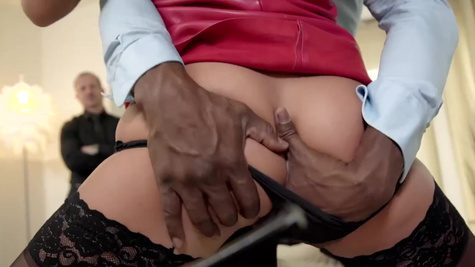 White and black men nail Daphne Klyde together in all holes