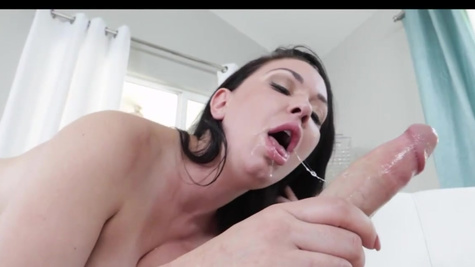Naked brunette Brooke Baretta enjoys skilled cock in her mouth