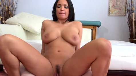 Estate agent Anissa Kate takes cock in cunt to close the deal