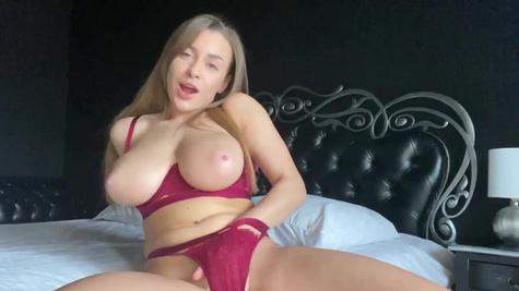 Big-boobied webcam model Josephine Jackson fingers pussy