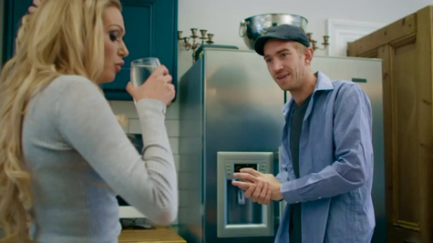 Skinny man in flat cap fucks Amber Jayne on the kitchen table