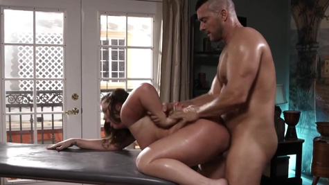 Man comes to masseuse Maddy O'Reilly and fucks her