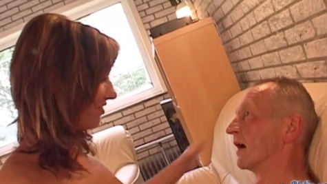 Sidney Love obtains new experience having sex with old male