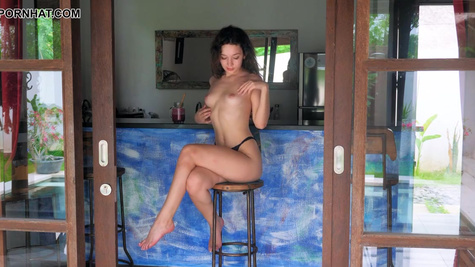 Young Dutch girl Ellie Leen drinks smoothie and undresses