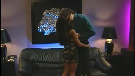 Chloe, Leanni Lei in Swingers scene 3
