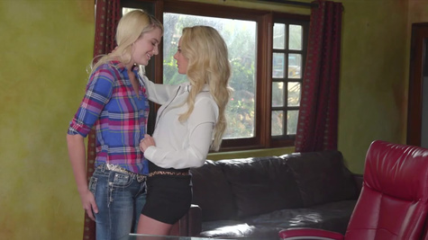 Kenna James, Isabelle Deltore in The Country Star
