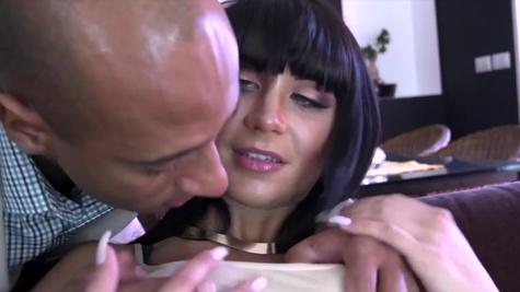Black guy anally fucks awesome MILF Valentina Ricci