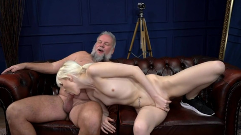 Young Miss Melissa delivers her pussy to an old dude