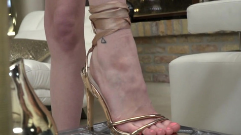 Hot footjob and pussyfuck with awesome Miss Melissa
