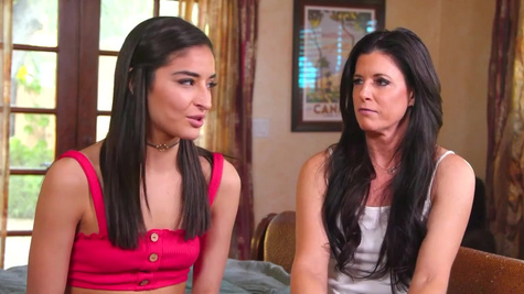 MILFs India Summer and Elexis Monroe want Emily Willis