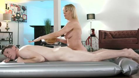 Masseuse Dana DeArmond with ease seduces stepdaughter's BF