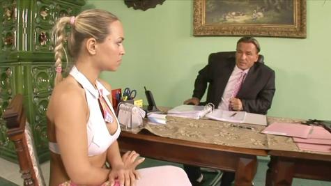 Mia Leone impresses with her insatiable desire to fuck