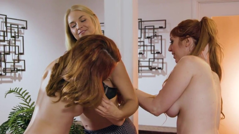 Sarah Vandella and Lauren Phillips fuck a girl during massage