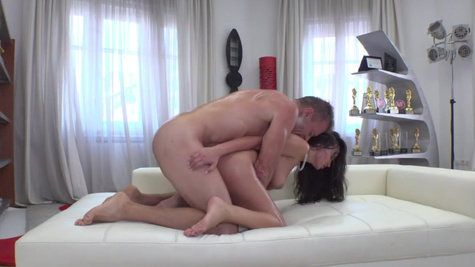 Stunning Alyssia Kent is amazing at riding monster dicks