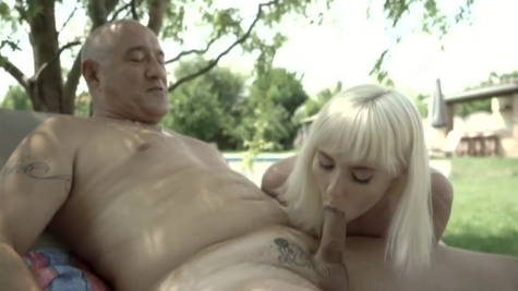 Old sugar daddy fucks Miss Melissa on the sun lounger