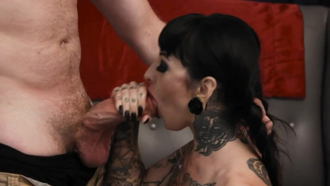 Alt brunette Jessie Lee likes how guy's big cock drills pussy