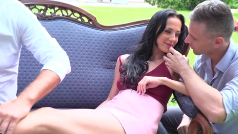Beautiful chick Nicole Love double penetrated outdoors
