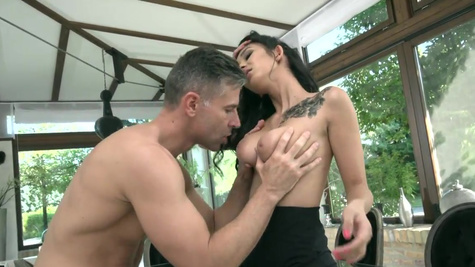 Natural and busty gal Darcia Lee gets properly nailed