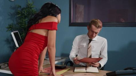 Julia De Lucia seduces her husband's shifty accountant