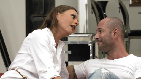 There is nothing better for Tina Kay than anal fuck