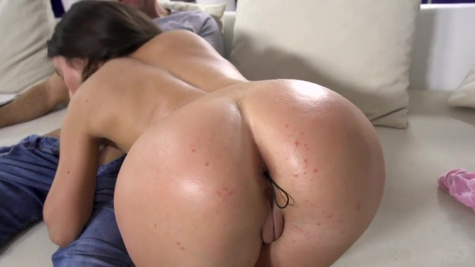 Teen Anita Bellini uses her ass to please the stepdad
