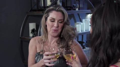 Teen Eliza is fucked by her boyfriend's flirty mom