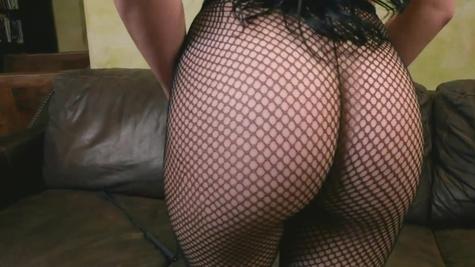 Spicy Skyla Novea in stockings is fucked in her ass