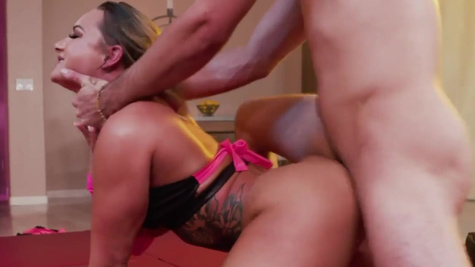 Cali Carter made show for man on red mat and had sex