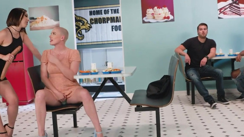 Hot girls Jenna Sativa and Riley Nixon love lesbian act