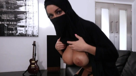 Chesty Arab hottie Victoria June forgets about religion