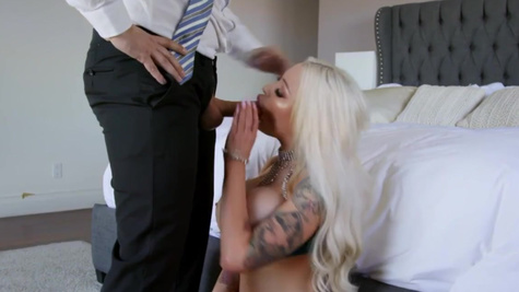 Portia Paris with plump lips fucked by stepsister's husband