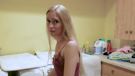 Cute blonde Emma Starletto deepthroats BF's fuckstick