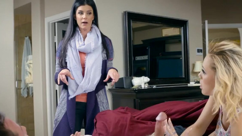 India Summer, Kimberly Moss in Tight Fitting House Sitting