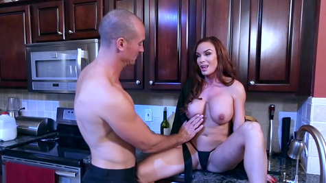 Strong sex in the kitchen between hot mom and the step son