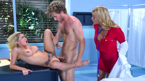 Amazing porn special with two blondes in crazy trio
