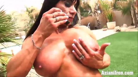Два ролика со спортивными накаченными телками блудницами
