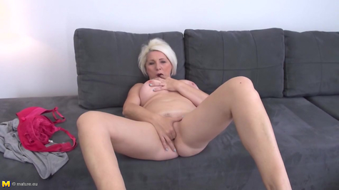 Mature Masturbated - Mom designed her pussy